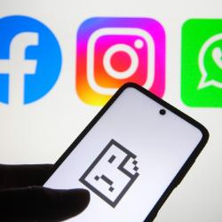 La caída de Facebook, Whatsapp e Instagram dejó a millones de personas sin conexión durante muchas horas. GETTY IMAGES